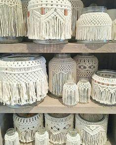 Just some jars on a shelf - macramé jars, vase, containers Macrame Design, Macrame Art, Macrame Projects, Micro Macrame, Macrame Curtain, Macrame Plant Hangers, Art Macramé, Creation Deco, Macrame Patterns