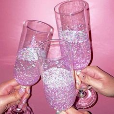 Cheers to a fab weekend! #glitterislife #lottieloves