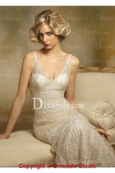 Gorgeous V-Neckline Bridal Wear with Layered Lace in Sheath Silhouette