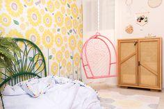 #girassol #paineladesivo #quartosdecriança #montessoriano #balanço #decoraçãoinfantil #decorforkids #quartoinfantil #quartocharmoso #bohodecor #cabeceira #quartodemenina #designbrasileiro #decoração Hanging Chair, Design, Furniture, Home Decor, Concrete Slab, Child Swing, Tree Canopy, Drill, Child Room