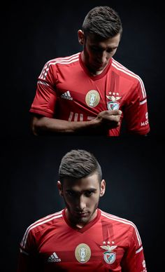 Toto Salvio Cristiano Ronaldo, Benfica Wallpaper, Football Love, Sports Clubs, Sport Casual, My Passion, Real Madrid, True Love, Victorious