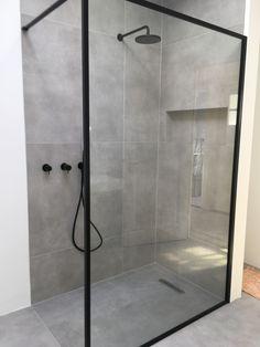 Cement Bathroom, Bathroom Inspo, Bathroom Wall, Home Interior Design, Interior Decorating, Shower Fixtures, Master Shower, Uk Homes, Celebrity Houses