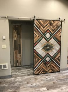 aztec DESCRIPTION Sliding barn doors are the perfect way to separate a room while also serving as a gorgeous piece of art. This is a completely one of a kind barn door with a unique design. Western Style, Western Bedroom Decor, Western Living Rooms, Western Bedrooms, Blue Bedrooms, Barn Door Designs, The Doors, Western Homes, Interior Barn Doors