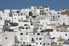 """""""casas de vejer II"""" von Bernd Hoyen #fotografie #photography #fotokunst #photoart #stadt #städte #city #cities #panorama #weiss #white #urban #stadtlandschaft #stadtlandschaften #cityscape #cityscapes #spanien #spain #andalusien #andalusia #vejer"""