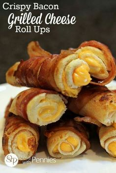 Bacon grilled cheese rollups