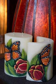 Henna Candles, Diy Candles, Pillar Candles, Candle Art, Candle Lanterns, Natural Candles, Carving Designs, Diy Crafts For Gifts, Handmade Candles