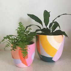 Painted Plant Pots, Painted Flower Pots, Pottery Painting, Ceramic Painting, Diy Bathroom Decor, Diy Room Decor, Tv Decor, Room Decorations, Bedroom Decor
