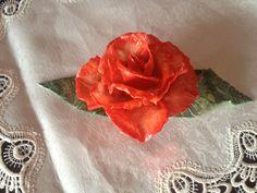 Rosa centrotavola sposi in pasta di mais