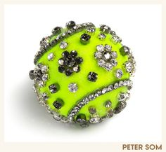 Vogue Commissions Custom-made Tennis Balls for the US Open - lovin' that BLING!