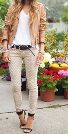 I love how she made polka dot jeans look casual! Mode Outfits, Casual Outfits, Fall Outfits, Summer Outfits, Simple Outfits, Look Fashion, Womens Fashion, Fashion Trends, Fall Fashion
