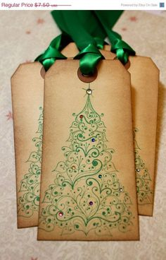 Vintage Inspired Holiday Tags - Christmas Tree - Set of 5 Noel Christmas, Christmas Projects, All Things Christmas, Handmade Christmas, Vintage Christmas, Christmas Decor, Handmade Gift Tags, Paper Tags, Christmas Gift Wrapping