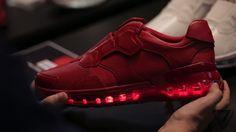 """Il existe de plus en plus d'objets connectés permettant d'optimiser vos performances physiques. Après les montres, les bracelets, etc. Lenovo nous propose ses chaussures connectées.  Les Smart ShoesLe fabriquant chinois a présenté lors de son événement """"Tech World"""" à..."""