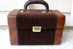 Kleines Vintage Köfferchen/Handtasche von *Coco Mademoiselle* auf DaWanda.com
