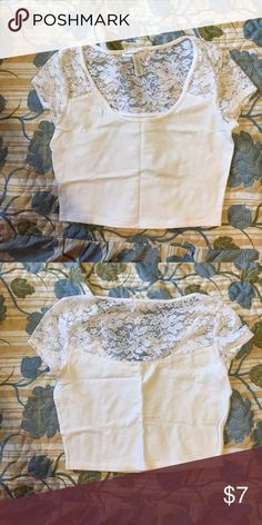 Crop top White lace sleeve crop top worn only once Tops Crop Tops
