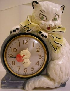 Vintage Pottery Cat and Kitten Clock
