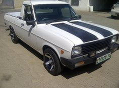 1400 bakkie Nissan Sunny, Car Game, Nissan Infiniti, Neymar Jr, Old Cars, Muscle Cars, Classic Cars, Trucks, Goals