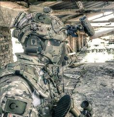 Are we sure about if he is not an airsoft player? Turkish Military, Turkish Army, Military Gear, Military Weapons, Special Ops, Special Forces, Turkish Soldiers, Combat Gear, Future Soldier