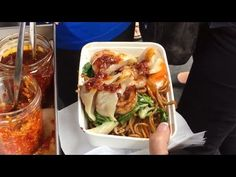 Street Food Around The World, London Street Food and Bangkok Street Food. Healthy Fast Food Places, Fast Healthy Meals, Asian Street Food, Japanese Street Food, London Street, Bangkok, Cabbage, Vegetables, Quick Healthy Meals