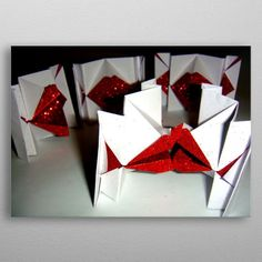 Kiss me Origami talking lips by Vlatka Fric Wall Art Prints, Canvas Prints, Fine Art Posters, Painted Cups, Muse Art, Office Art, Vintage Posters, Origami, Kiss