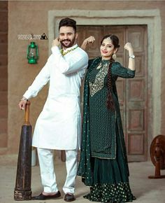 Pre Wedding Poses, Pre Wedding Shoot Ideas, Pre Wedding Photoshoot, Trendy Suits, Stylish Mens Outfits, Stylish Dresses, Punjabi Wedding Couple, Punjabi Couple, Beautiful Suit