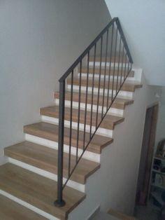 גרם מדרגות חדש מודיעין   עיצוב-ליאת ניר בלזר Wood Stairs, Interior Ideas, House, Board, Home Decor, Decorating Ideas, Banisters, Staircases, Houses