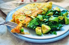 Courgette, Pea & Basil Omelette - www.stopsnapshare.co.uk