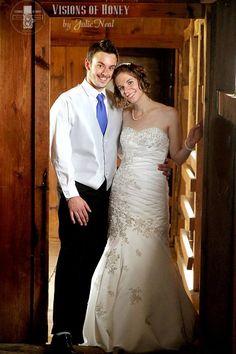 #wedding #bridal #dress #portrait #ideas #barn #country #photos #posing #couple