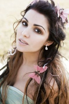 Beautiful and a fantastic opera singer. Anna Netrebko