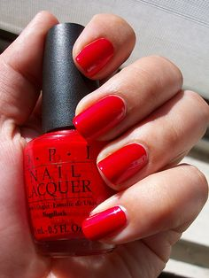 OPI oui bit of red