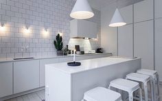 If it's white we like. via @designstuff_group #whiteliving #kitchen #scandicliving #monochrome #homedecor