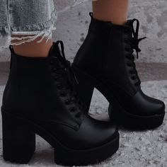 Dr Shoes, Swag Shoes, Me Too Shoes, Shoes Heels, Fancy Shoes, Pretty Shoes, Fashion Heels, Sneakers Fashion, Black Ankle Boots