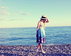 H&M Hat, Urban Outfitters Sunglasses, H&M Top, Dresslink Skirt, H&M Sneakers