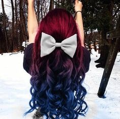 Red to purple to blue ombre hair! I'm so doing this! Don't expect me to have brown hair for our high school reunion! ;P