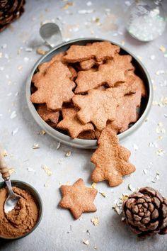 Biscuits de Noël aux épices {vegan, ig bas, intolérant gluten}