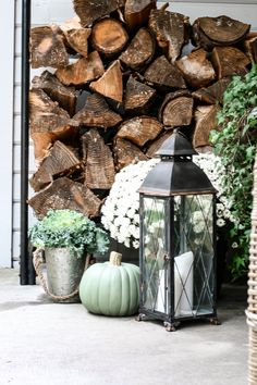 Come tour the front porch of an old farmhouse for fall decor ideas. Adding in pieces that tell parts of your life story is a great way to decorate!