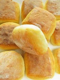 Sio-sorrows: Breakfast food rolls with milk powder Hot Dog Buns, Hot Dogs, Bread And Pastries, Powdered Milk, Breakfast Recipes, Goodies, Rolls, Baking, Food