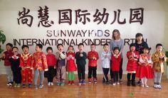 Kristína Čižmárová v Číne videla život čínskych rodín zblízka. Ani deti, ani rodičia si oddych dopriať nedokázali.
