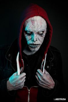 Photo/Retouch: Abstrusa Model/Makeup: Stef  zombie,the walking dead, death, cool, makeup, dark, strange, nosferatu, skinhead, contact lenses, hoodie, fake teeth, scary, horror, halloween, terror, portrait,photography