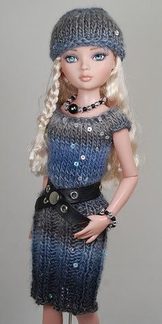 gray5   Flickr - Photo Sharing! Barbie Knitting Patterns, Knitting Dolls Clothes, Crochet Dolls Free Patterns, Barbie Patterns, Knitted Dolls, Doll Clothes Patterns, Crochet Clothes, Clothing Patterns, Barbie Clothes
