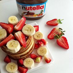 American pancakes w/ vitamin bombs and nutella