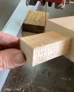 Fine Woodworking Projects Use these stop block with a magnet set into it for easy tenons!Fine Woodworking Projects Use these stop block with a magnet set into it for easy tenons! Awesome Woodworking Ideas, Best Woodworking Tools, Woodworking Joints, Woodworking Projects Diy, Woodworking Workbench, Woodworking Workshop, Woodworking Techniques, Woodworking Furniture, Diy Wood Projects