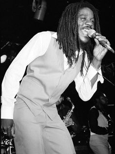 Dennis Brown (The Crown Prince of Reggae)