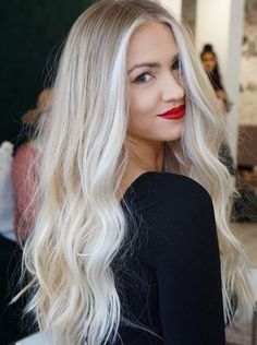 Fresh Long Blonde Hairstyles for Women You Must Try in Year 2019 # Platinum Blonde Hair blonde fresh Hairstyles Long Women Year Blonde Hair Looks, Icy Blonde, Brown Blonde Hair, Platinum Blonde Hair, Pale Skin Blonde Hair, Highlighted Blonde Hair, Blonde Highlights Long Hair, Blonde Hair Shades, Beige Blonde