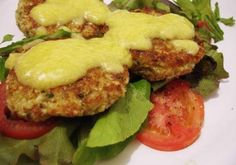 Hamburguer de Couve-Flor Yummy Veggie, Veggie Recipes, Vegetarian Recipes, Healthy Recipes, Bariatric Recipes, Going Vegan, Food And Drink, Healthy Eating, Ethnic Recipes