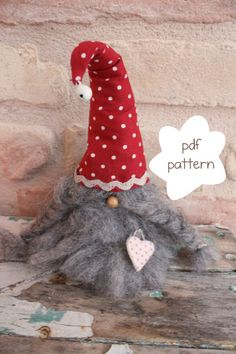 Pattern: Gunnar the gnome - Gnome pattern - nordic gnome pattern - Nisse… Christmas Gnome, Christmas Projects, Holiday Crafts, Scandinavian Gnomes, Scandinavian Christmas, Felt Crafts, Diy And Crafts, Felt Ornaments, Christmas Ornaments