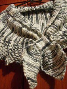 Xale Lã:Cetim Soft(Cisne),agulha para tricô nº6 Execução:começar a peça por uma…