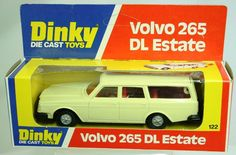 Dinky Toys diecast scale model of the classic Volvo 265 DL Estate.