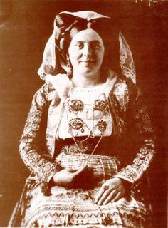Νυφική φορεσιά Λευκίμμης, αρχές 20ού αι.