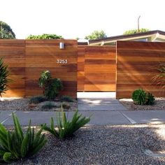 Modern Exterior Photos Midcentury Modern Design, Pictures, Remodel, Decor and Ideas - page 16