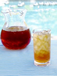 Sweet Minted Tea Recipe : Sunny Anderson : Food Network - FoodNetwork.com Great even for your not-trad tea drinker